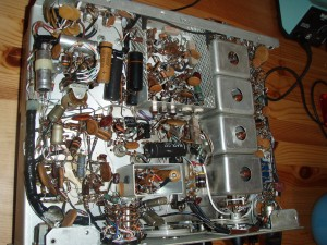 photo of the underside of the 32S-3 transmitter