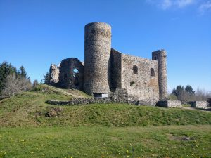 ruins of the castle at Cornes d'Urfé