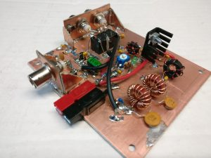 The amplifier built manhattan island style on a copper PCB